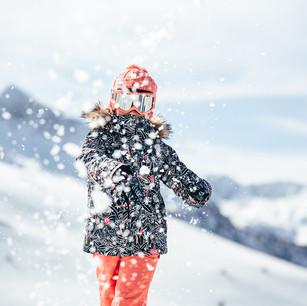 MATT-Winter-Roxy-Girl-Snow.jpg