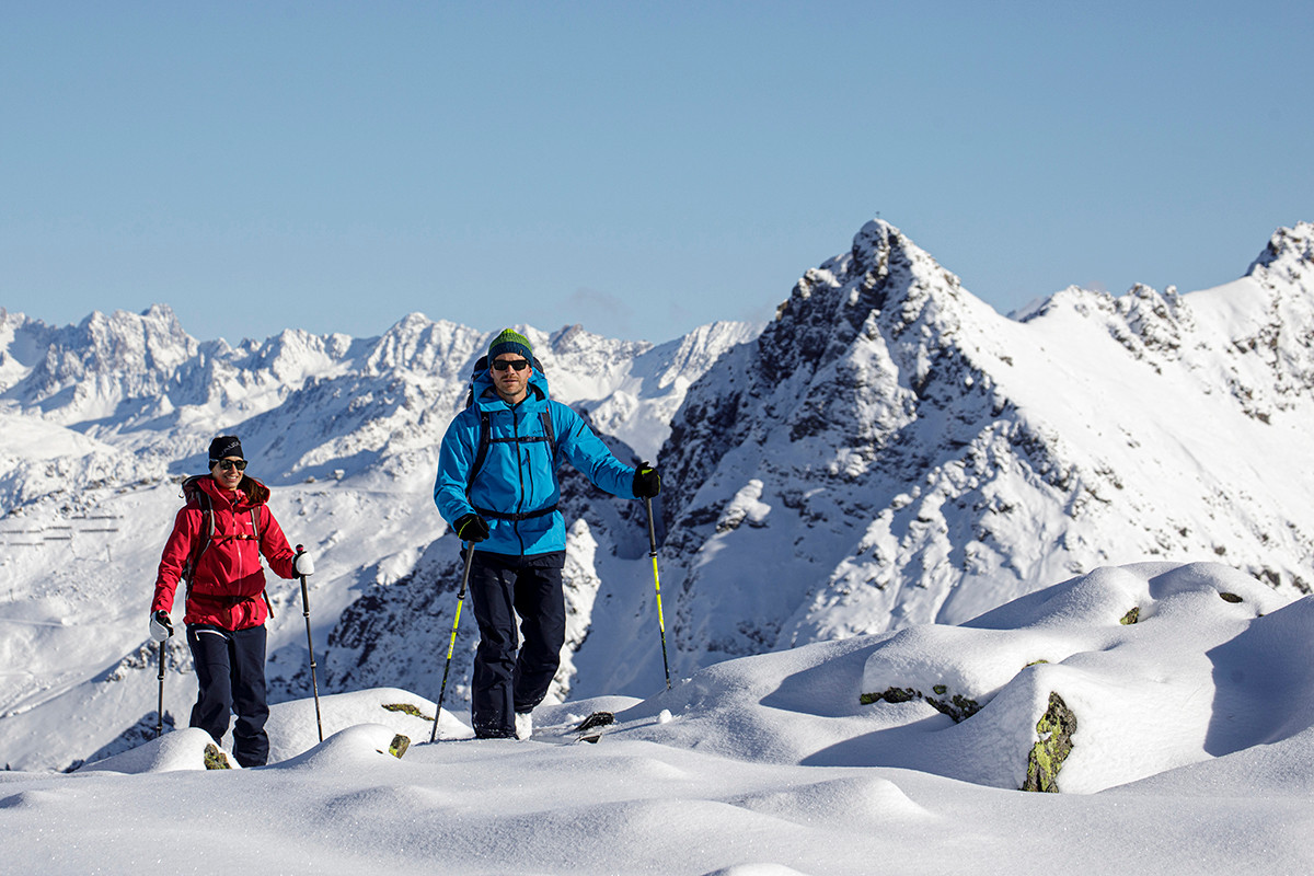 MATT-Winter-Leki-Skitouring-Couple4.jpg