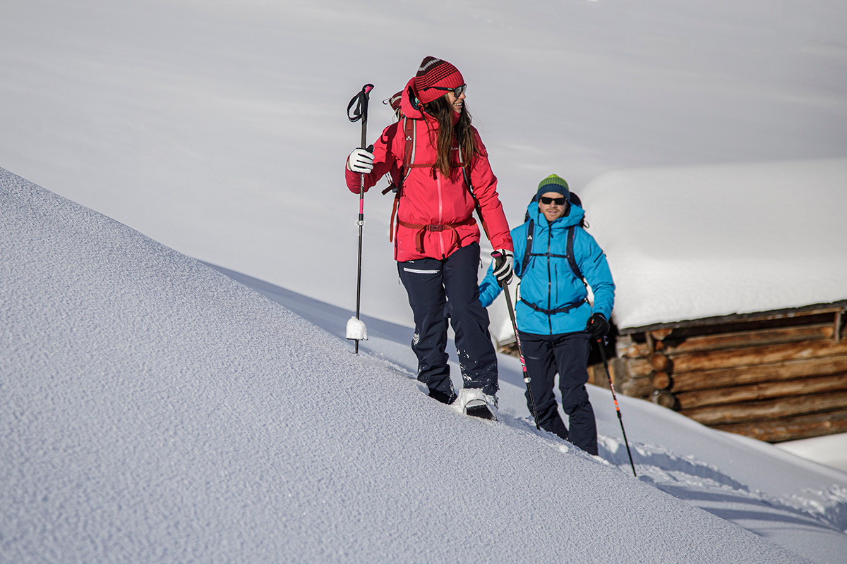 MATT-Winter-Leki-Skitouring-Couple.jpg