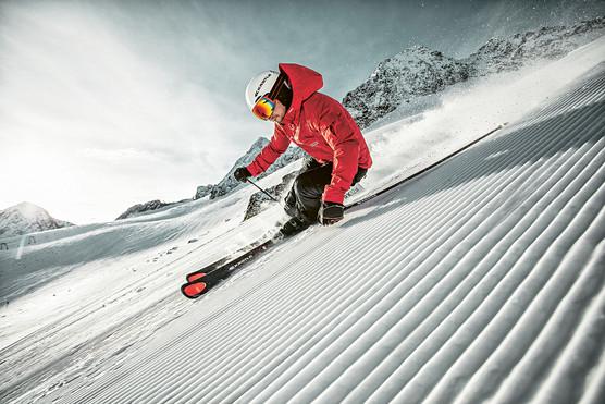 MATT-Winter-Kästle-Man-Skiing-RX12.jpg
