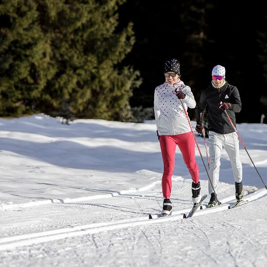MATT-Winter-Leki-Cross-Country-Couple2.j