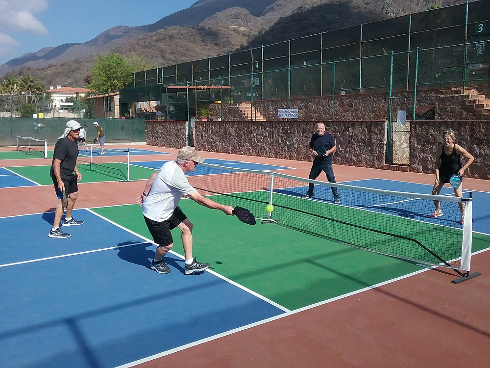 Pickleball in Ajijic