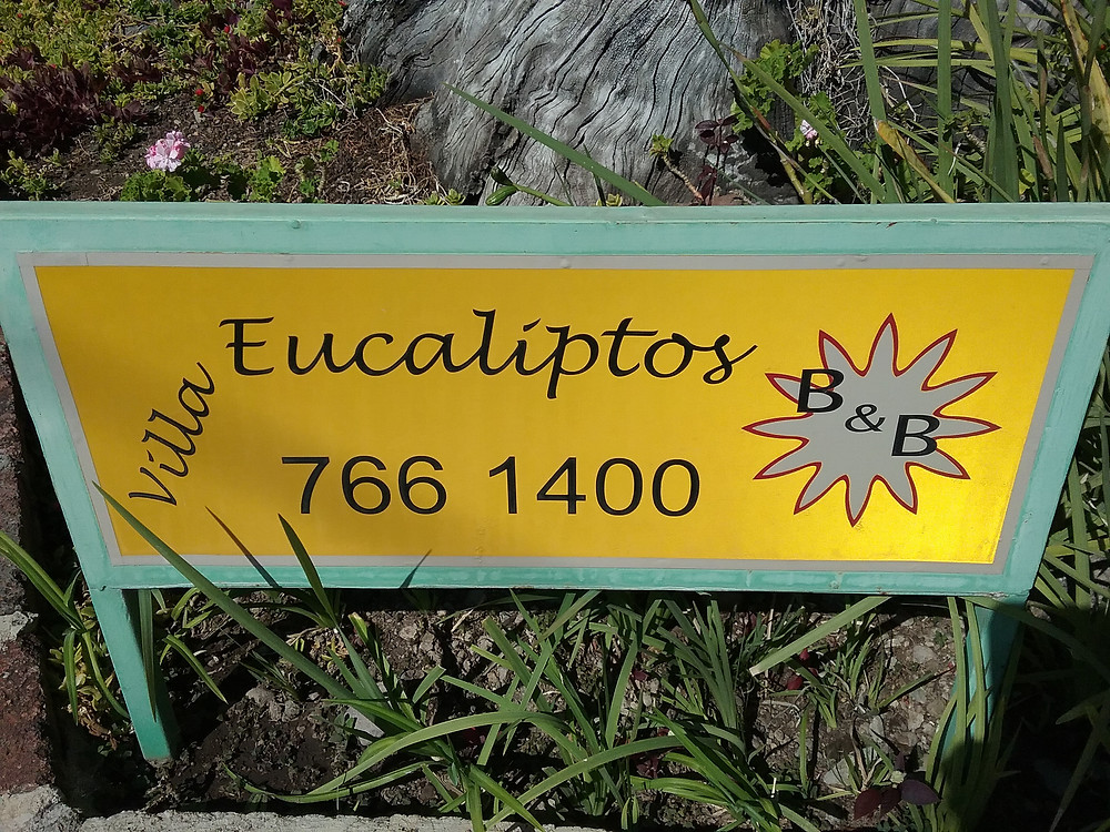 Villa Eucaliptos B&B sign post