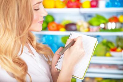 דיאטנית עוזרת לתרגל מה שלומדים