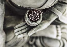 Postures_meditation_600x-2.jpg