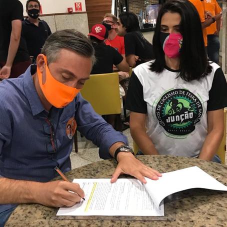 Carlos Medeiros assina carta-compromisso com Grupo de Associação do Ciclismo de Feira de Santana