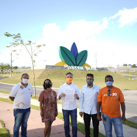 Carlos Medeiros assina termo de compromisso com representantes de condomínios no Jardim Brasil