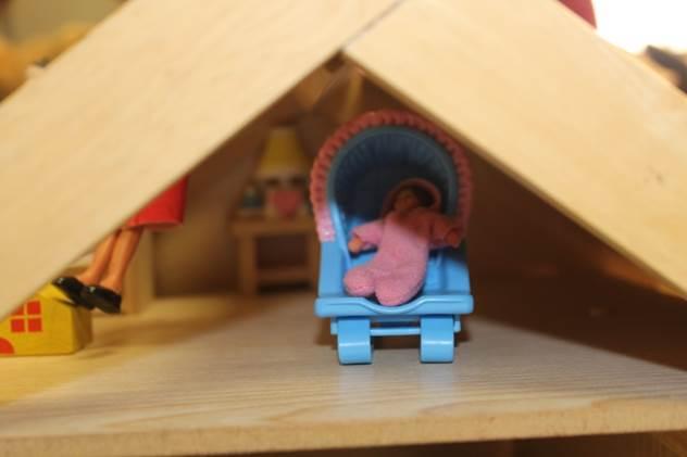 doll house 12