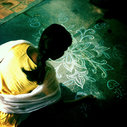 Kolam Lady