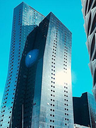 Skyscaper gleaming in the sun. In Melbourne.
