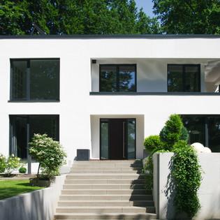 Villa Hamburg Front.jpg