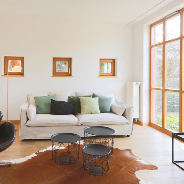 Holzhaus Sofa.jpg