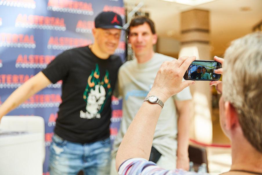 Ivan Klasnic mit Fan