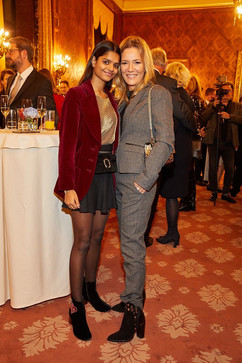 Jessica Stockmann mit Tochter Nisha.jpg