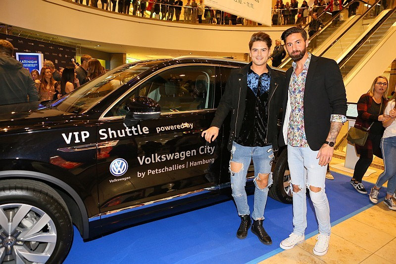 VIP Shuttel Volkswagen City  by Petchall