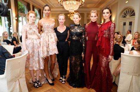 Lana Müller mit Models.JPG
