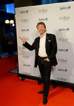 Eislauf-Star Norbert Schramm.jpg