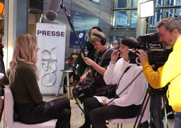 Mirja Du Mont und Presse