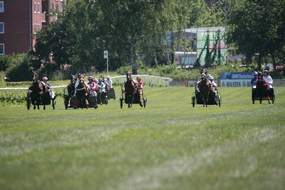 Prominenten-Trab-Rennen.JPG