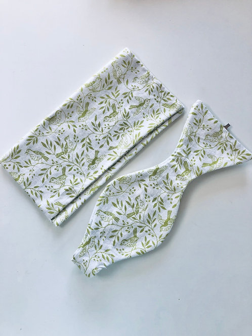 White and Green Leaf Bow Tie and Pocket Square Set