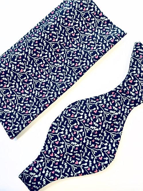 Green Mistletoe Print Bow Tie and Pocket Square Set