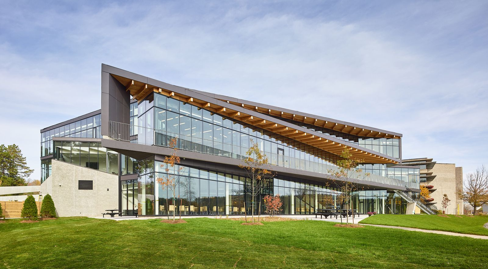 Trent-University-Student-Centre-by-Teepl