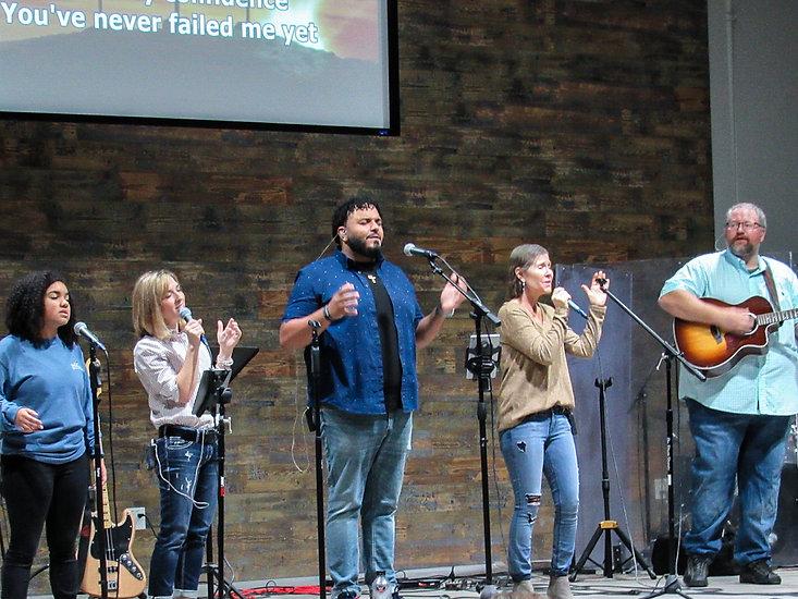 Sunday Service worship 2021 3.JPG