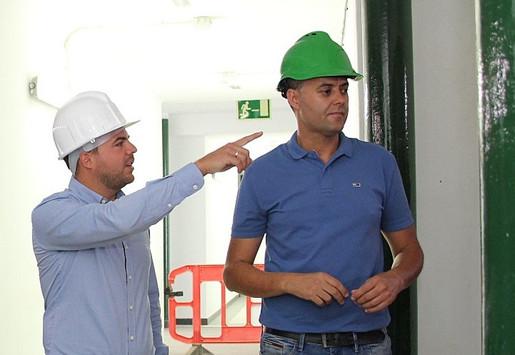 Comienzan las obras de reforma de los vestuarios y baños de la Ciudad Deportiva Lanzarote