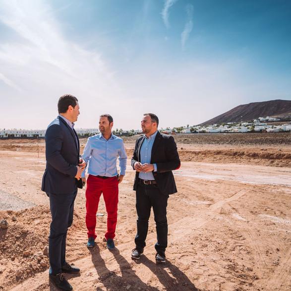 Adjudicamiento de las obras para la construcción del campo de fútbol de Playa Blanca