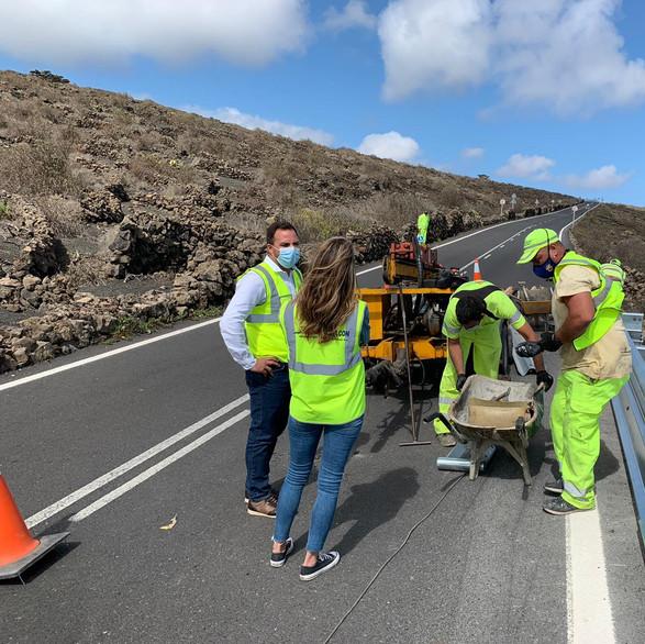 Culminada la instalación de las barreras de seguridad en la carretera que une Ye con Arrieta