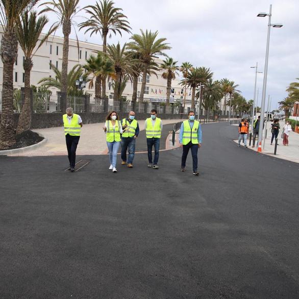Supervisión las obras de remodelación en la Avenida de las Playas de Puerto del Carmen