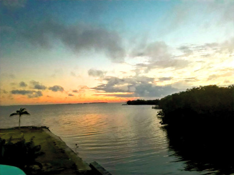 Sunrise at See Belize Vacation Rentals