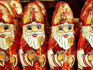 Wie is Sinterklaas?