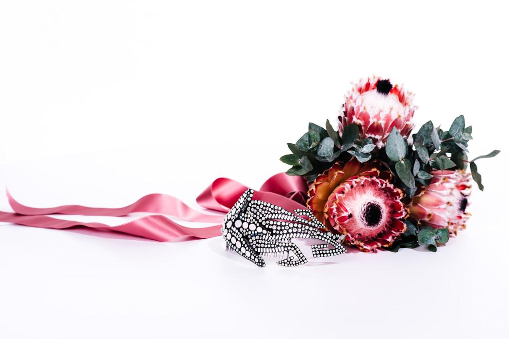 ROMANTIC GLAMOUR