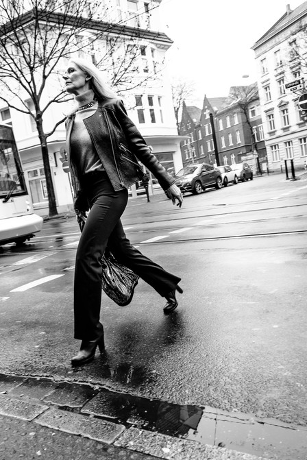 LADY ON THE STREET