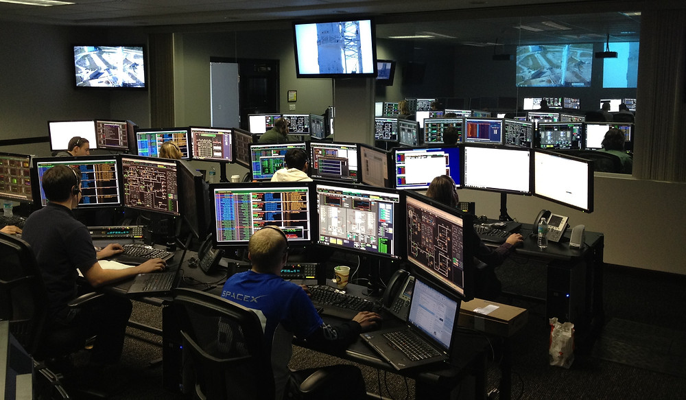 Emergency Management Mobile Command Centers should have top tier communications equipment