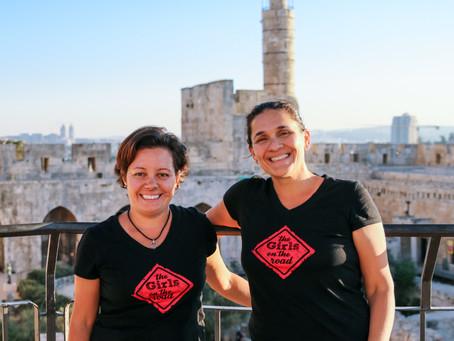 Dupla viaja 24 países e publica livro sobre empreendedorismo feminino no mundo