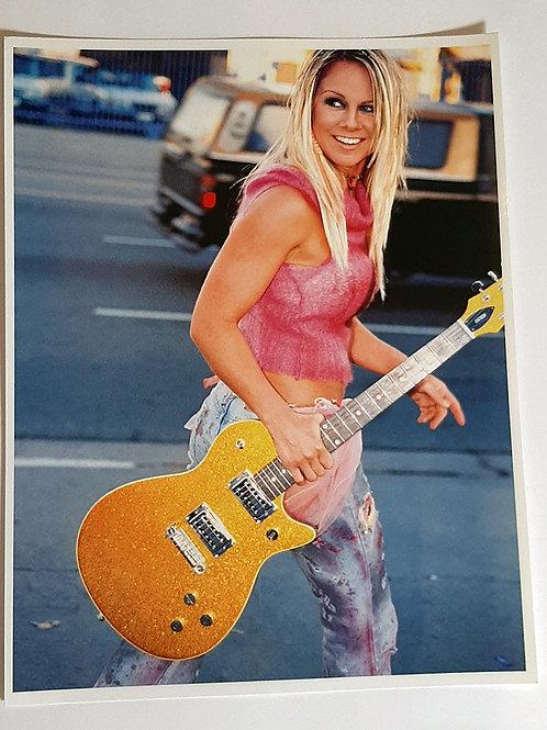 Promo 26 La Guitar