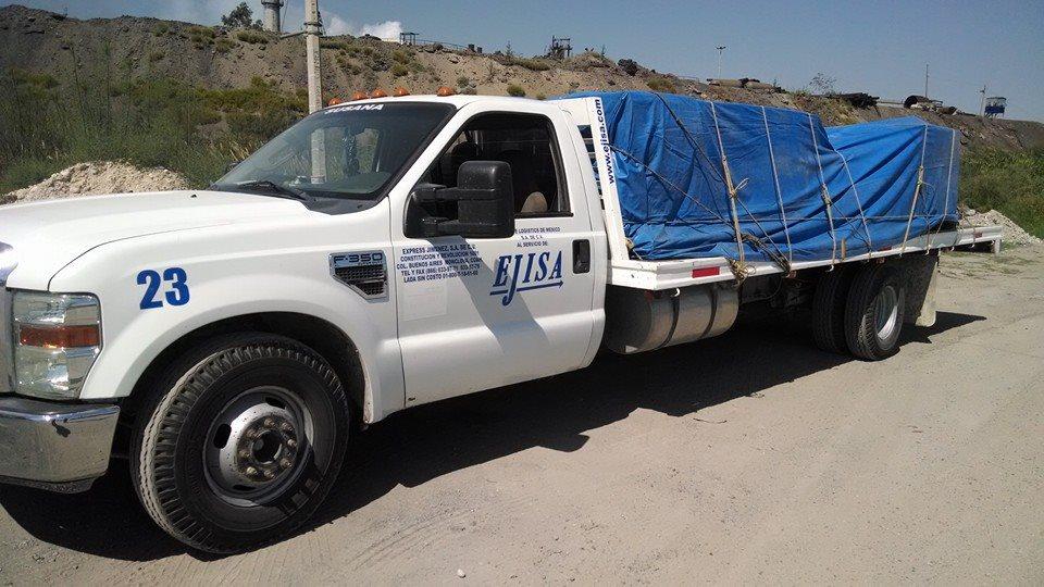 Camion 3.5 tons con Plataforma 20'