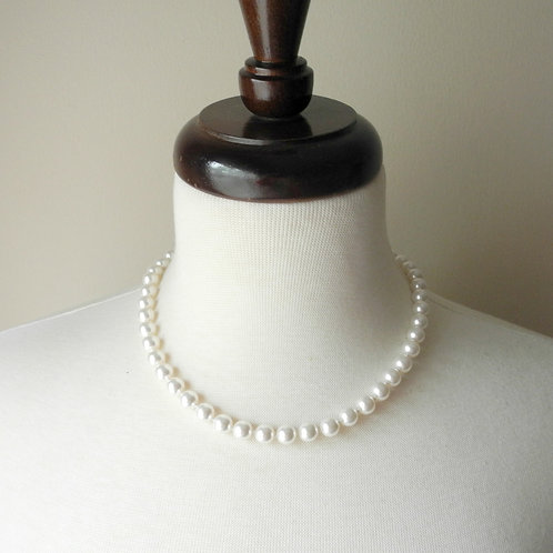 "18"" Classic Knotted, 8mm pearls"