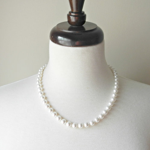 "20"" Classic Knotted, 8mm pearls"