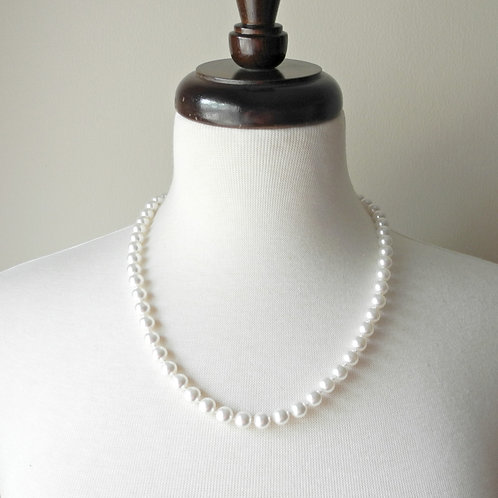 "22"" Classic Knotted, 8mm pearls"