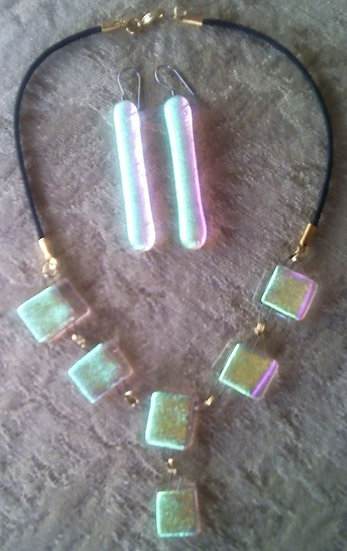 Vibrancy Necklace and Earring Set