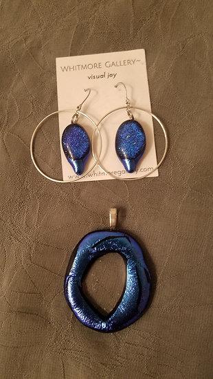 Dusk, pendant and hoop earrings