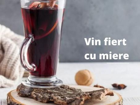 Vin fiert cu miere