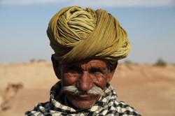 Green Turbaned Man in Thar Desert