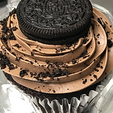 Oreo Cupcake with Chocolate Buttercream (Jumbo)
