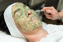 Applying Hydrojelly mask