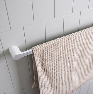 Manhattan Towel Rail White_web.jpg