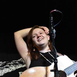 RachelMarie-LiveVertical2.JPG